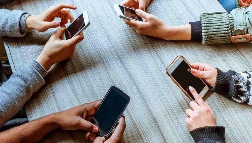 Cada cuánto tiempo conviene apagar el móvil