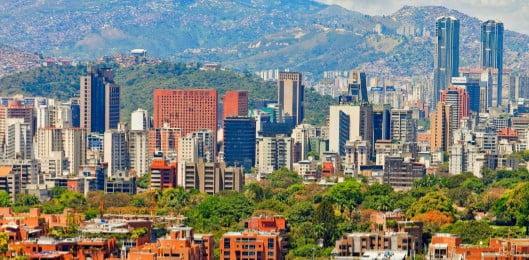 Caracas del valle al mar, guía de arquitectura y paisaje