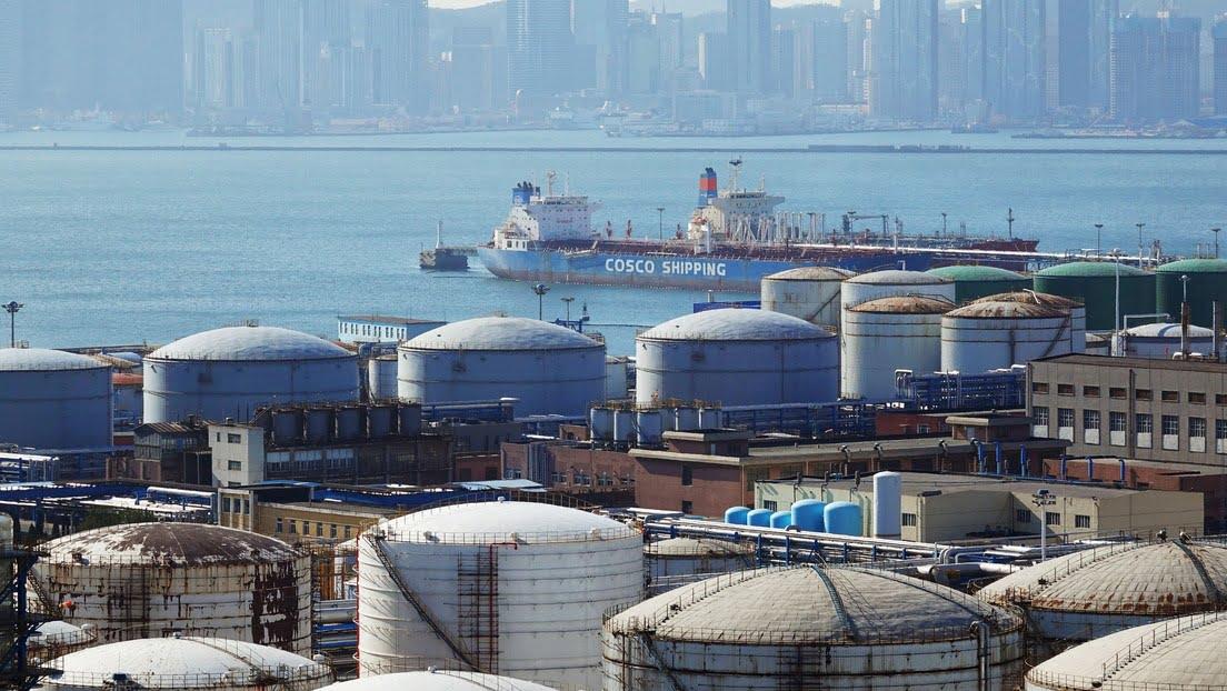 China aumenta las importaciones de petróleo y gas