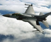 IA y piloto humano combatirán con aviones reales en 2024