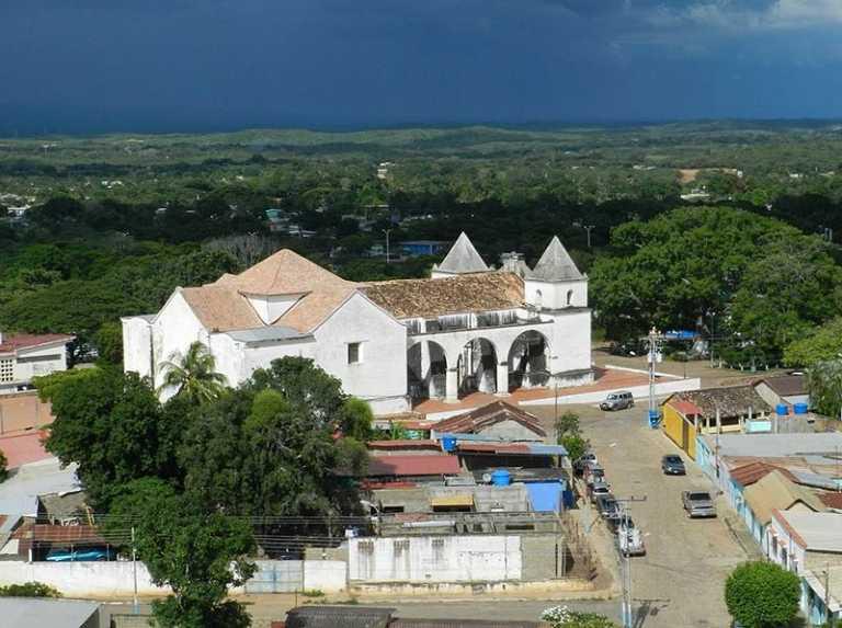 La iglesia de Clarines - Entorno