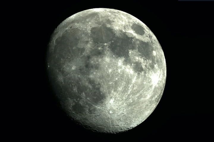NASA pagará $25.000 por muestras de la Luna