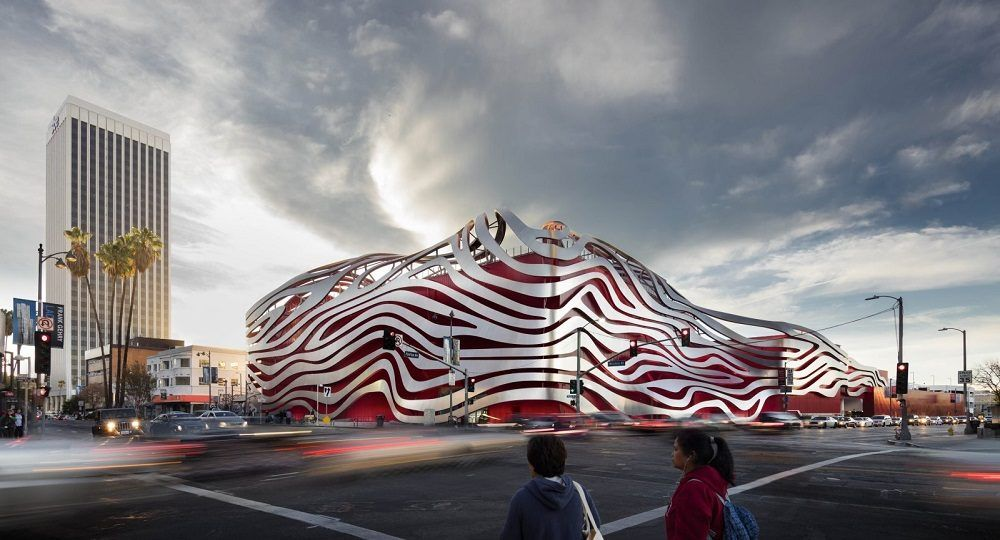 Remodelación espectacular del Petersen Automotive Museum