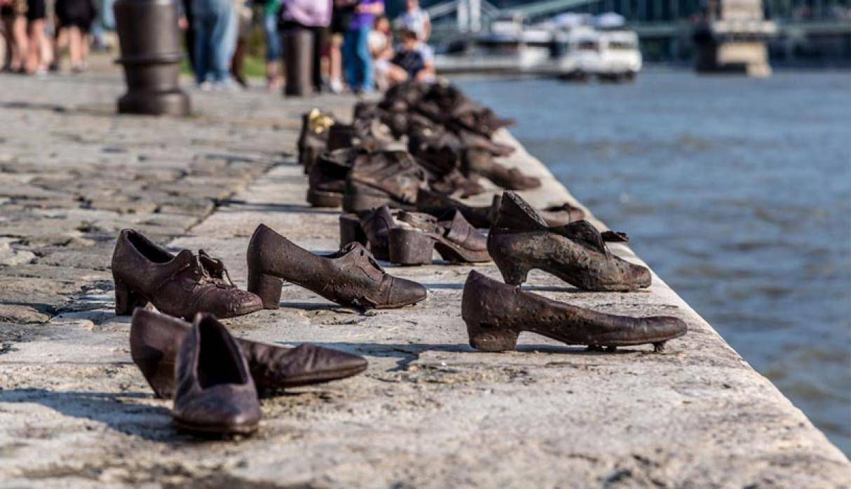 The Shoes on The Danube Bank, Budapest