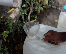 Venezuela sin agua: Estamos tomando agua de la lluvia